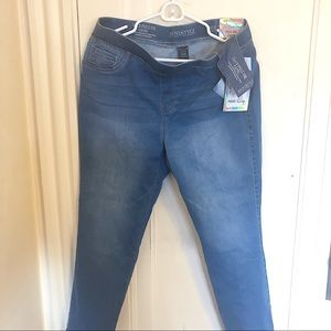 Denim - Pull on capri slimming jeans loose fit stretch